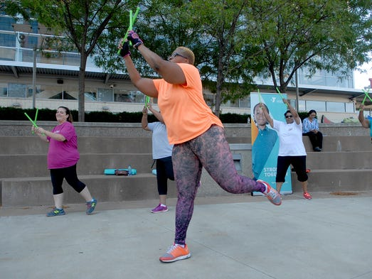 Air drumming gets crowd moving during fitness series at ...
