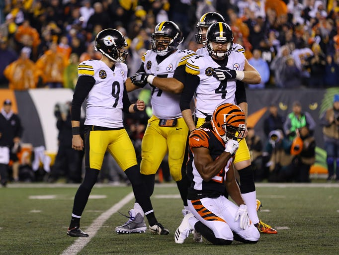 Pittsburgh Steelers kicker Chris Boswell (9) reacts