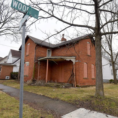 The home of Sarah Daisy Barker Thomas on the corner