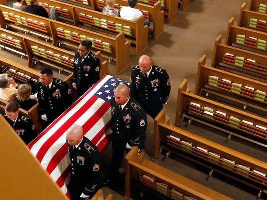 636417833223728169-SPJ-092317-Nekoosa-Soldier-Funeral-06-ajwA.jpg