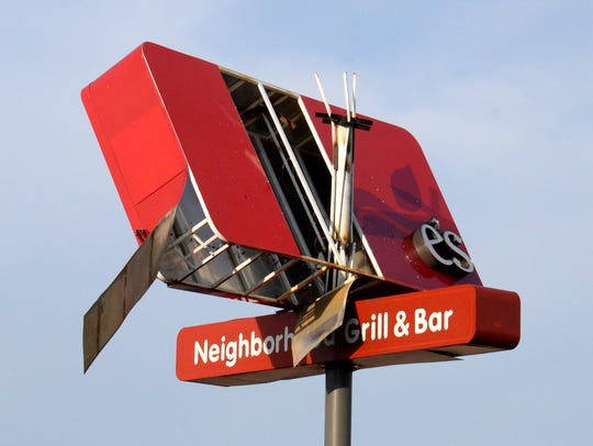 The sign for Applebee's restaurant on Calumet Avenue