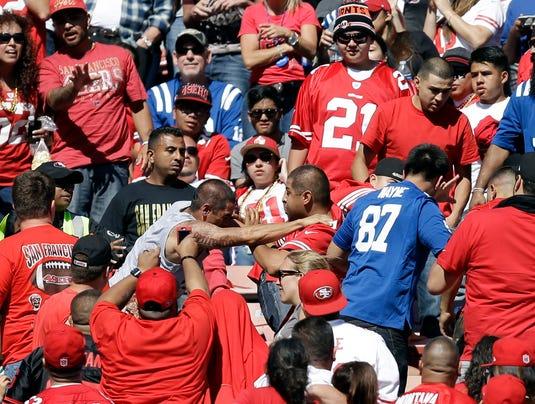 2013-09-24-49ers-fan-fight