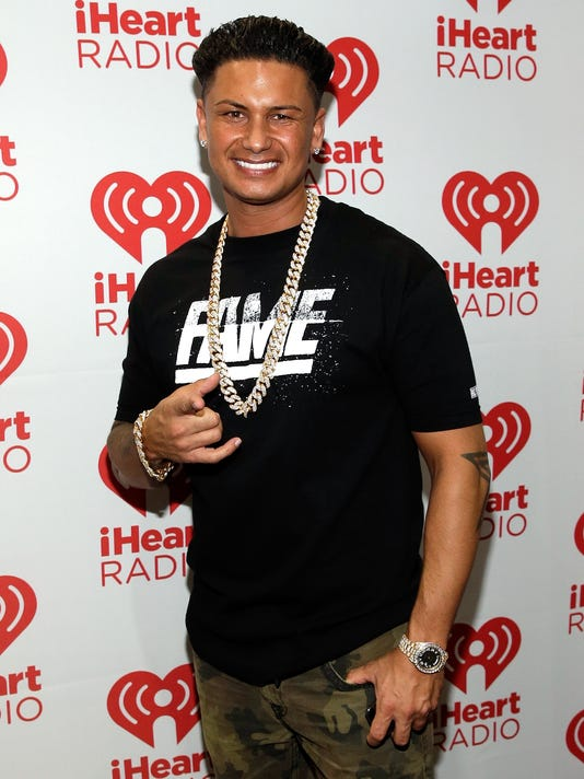 5994e5b564 Jersey Shore  star Pauly D s a dad!