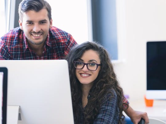 young-couple-at-computer_gettyimages-617593286_large.jpg