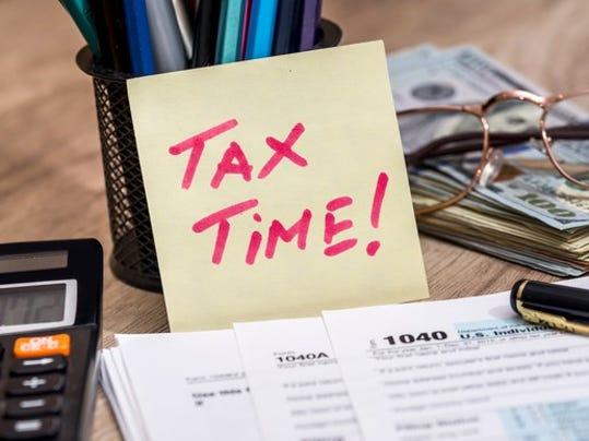 tax-time_gettyimages-610688960_large.jpg
