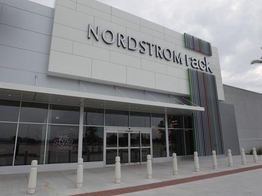 nordstromrack_houston_2014_2_large.jpg