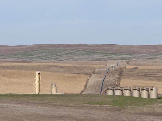 an-oil-pipeline-in-north-dakota_large.jpg