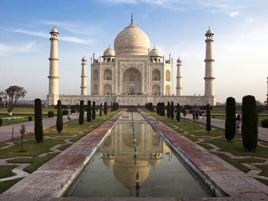 India S Taj Mahal Is Turning Green Because Of Pollution