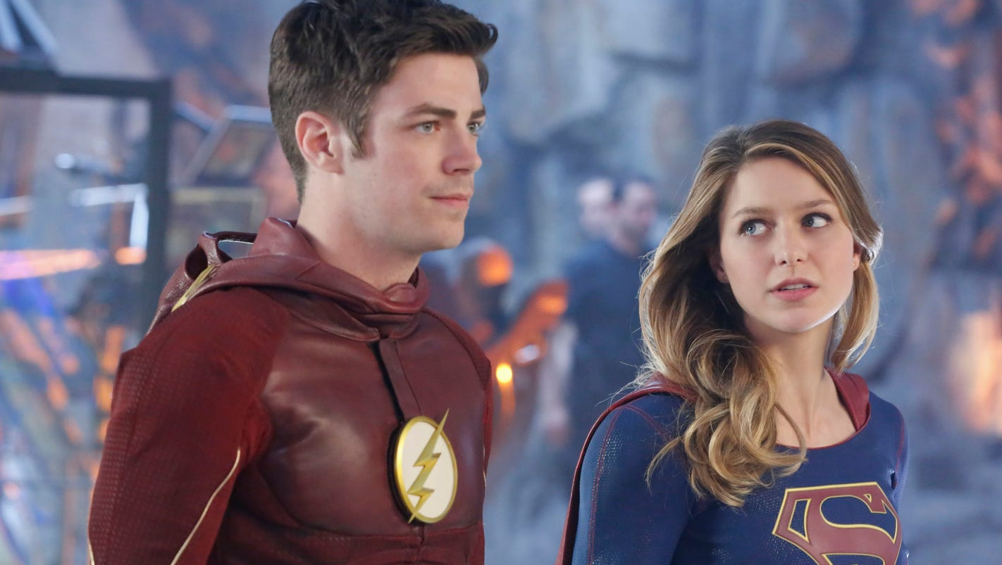 Flash, Supergirl Meet Up For Superfriendly Crossover