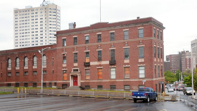 Plans are being drawn to open an arts center in the old Boys & Girls Club on Ionic Avenue.