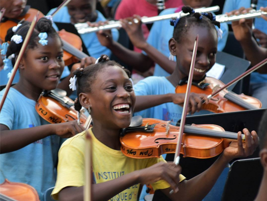 635907871057671904-Haitian-youth-orchestra.png