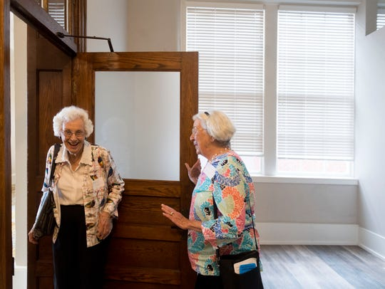 Betty Hammill, left, and Barbara Wayland tour Knoxville
