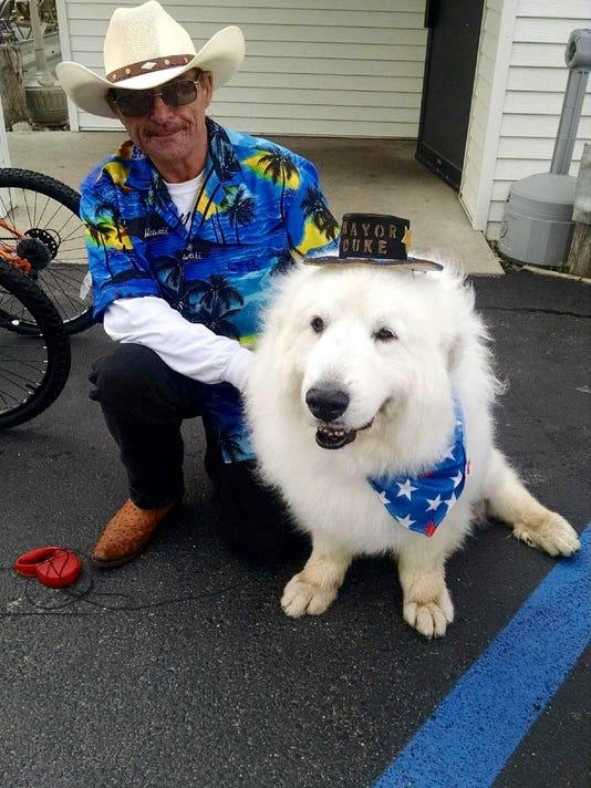 636076361961279728-Dog-Mayor-Keom.jpg