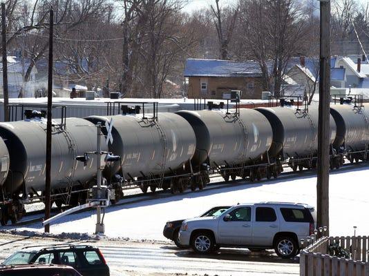 mar 0207 tanker cars 1.jpg