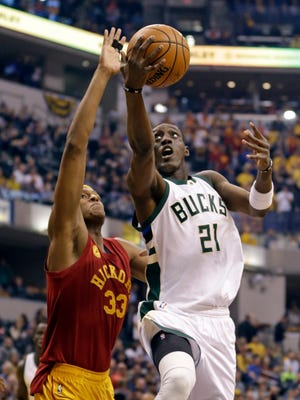 Bucks guard Tony Snell started all 80 games he appeared in for the Bucks last season.