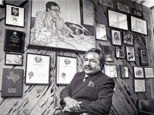 09/29/1985 State Rep. Paul Moreno poses with his legislative