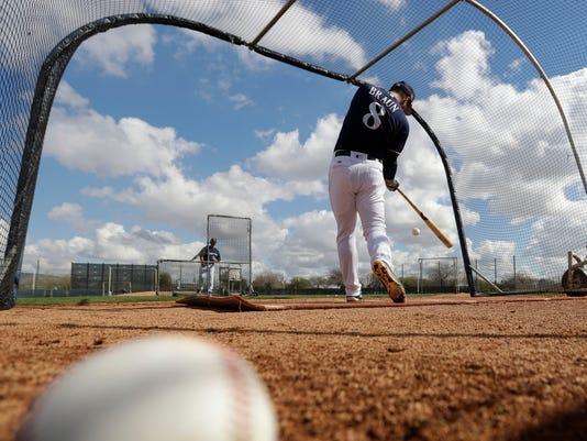 636233831913913765-AP-Brewers-Spring-Baseball.jpg