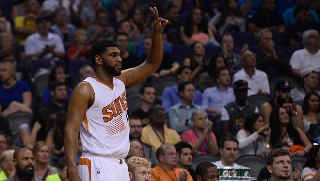 Apr 13, 2016: Phoenix Suns center Alan Williams (15) reacts against the Los Angeles Clippers at Talking Stick Resort Arena. The Suns won 114-105.