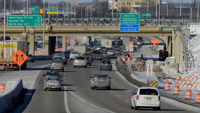 Northbound I-41 from abruptly drops from 5 lanes to three where I-94 connects with it.