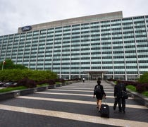 Financial analysts say questions remain on Ford's ...