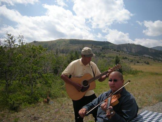 -metis fox fiddlers.JPG_20090731.jpg