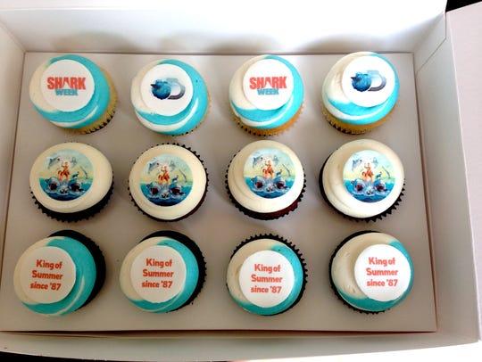 XXX shark-week-gear-cupcakes-5406-