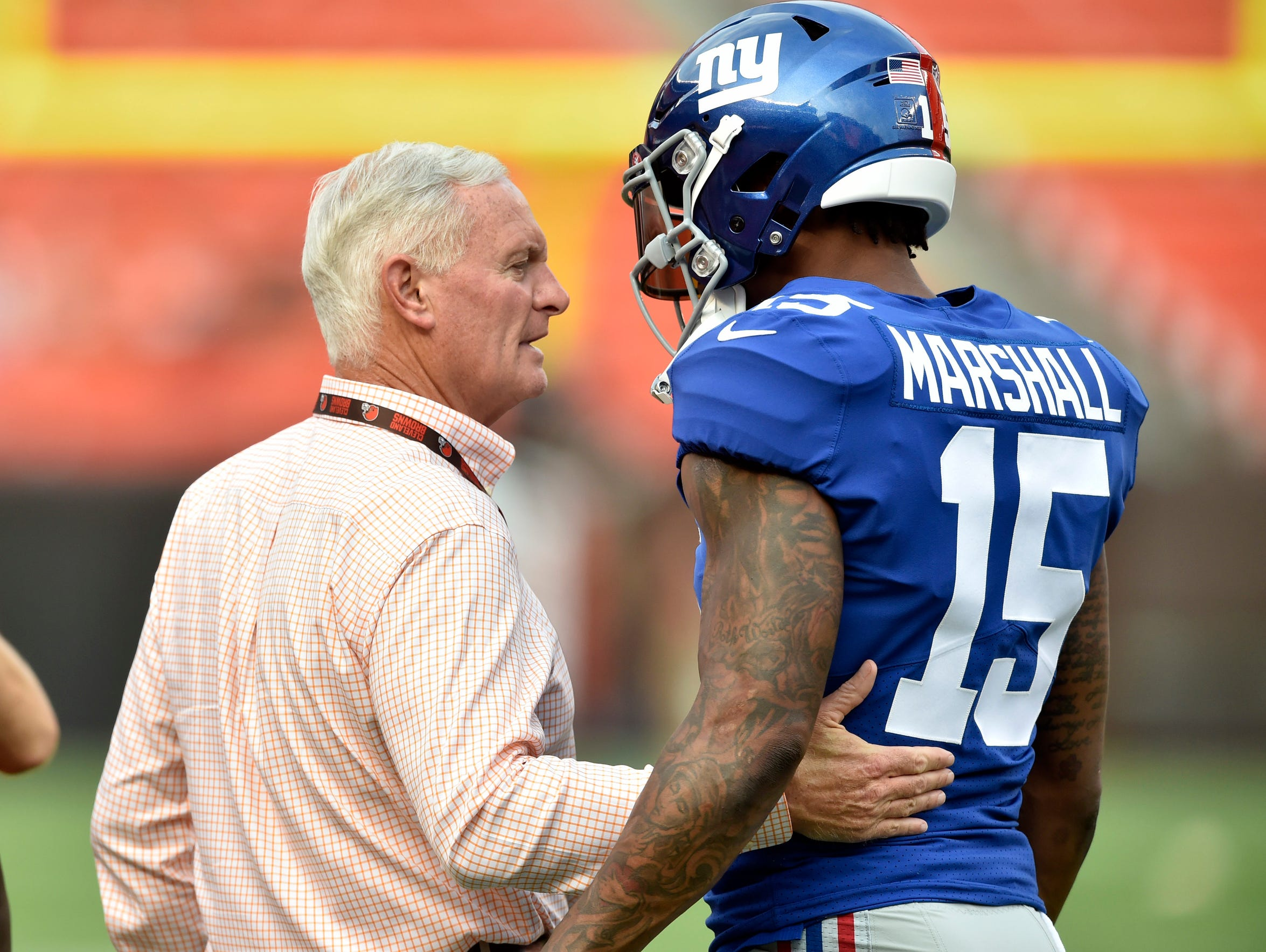 New York Giants wide receiver Brandon Marshall, right,