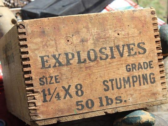Explosives logo