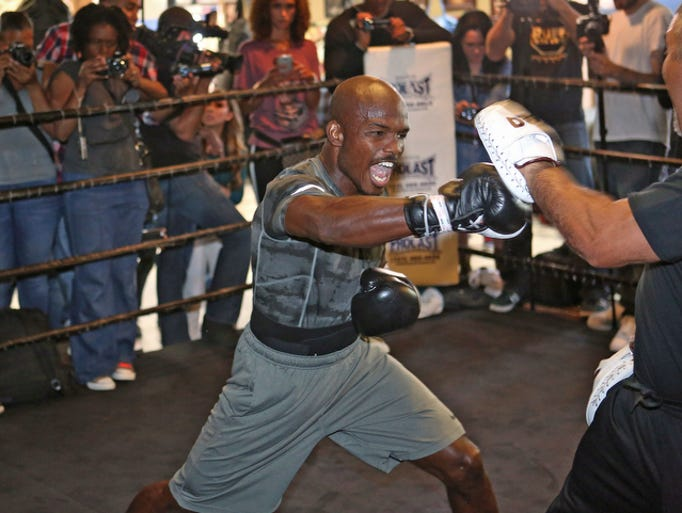 Timothy Bradley workouts with trainer Joel Diaz in Los Angeles, Thursday, April 3, 2014.  He will fight a rematch against Manny Pacquiao April 12th.