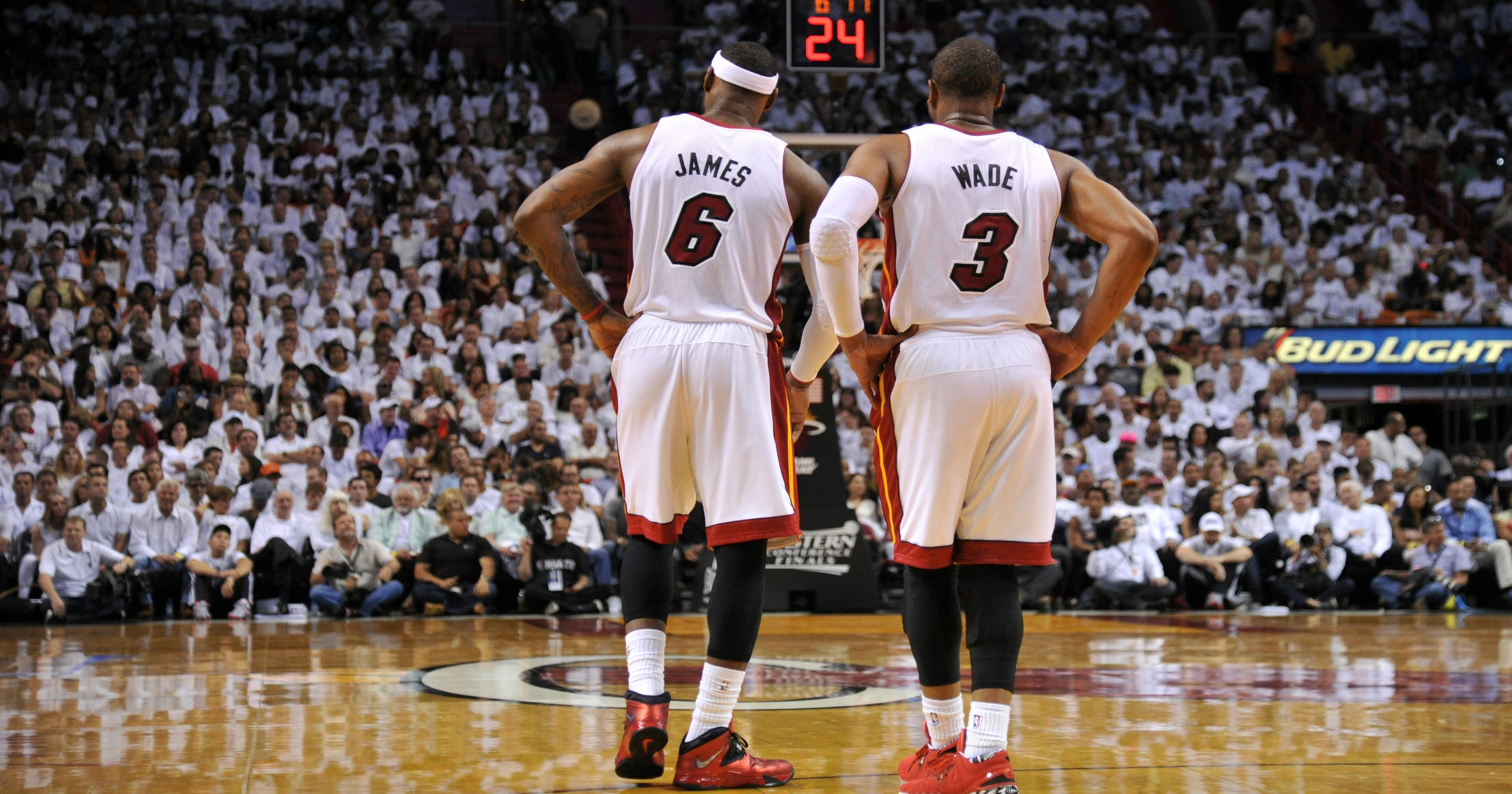810eea97393ee Healthy Dwyane Wade doesn t want blame if LeBron James leaves Miami Heat