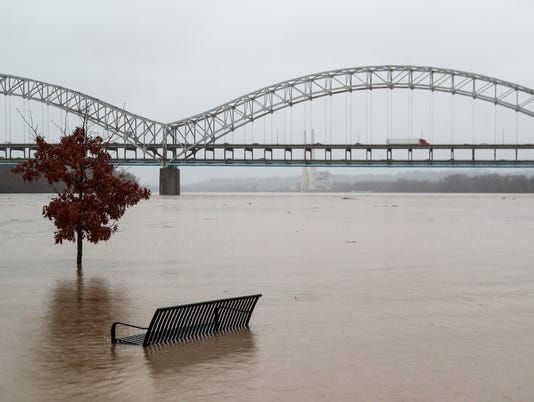 636548415623382689-FloodingNewAlbany.JPG