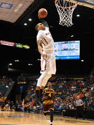 Oregon State Beavers guard Gary Payton II (1) dunks the basketball against the Arizona State Sun Devils during the second half of the Pac-12 Conference tournament at MGM Grand Garden Arena.