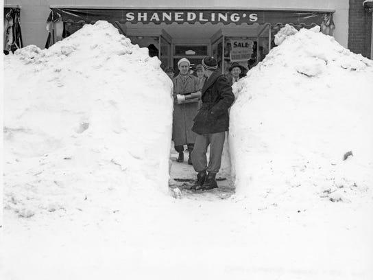 Front of Shanedling's store 607 St Germain Street St Cloud 1940.jpg