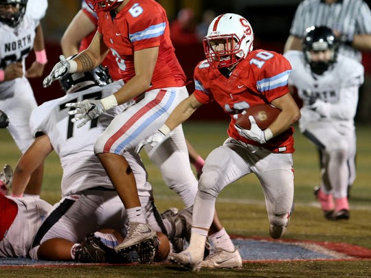 South Salem's Collin Vogt (10) rushes in the North Salem vs. South Salem football game at South Salem High School in Salem on Friday, Oct. 6, 2017. South South won the Mayor's Trophy 24-14.