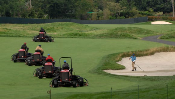 Preparations under way at Ridgewood Country Club before