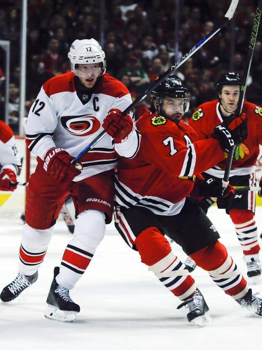 USP NHL: CAROLINA HURRICANES AT CHICAGO BLACKHAWKS S HKN USA IL