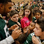 Packer players meet Appleton students during Fuel up to play 60