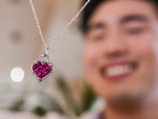 636529530908659726-PIKA-Vince-Jewelers-11.JPG