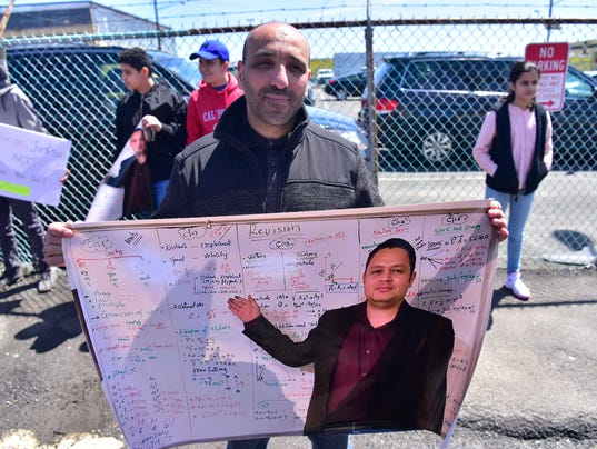 Support rally for teacher Ahmed Abdelbasit, fighting extradition to Egypt