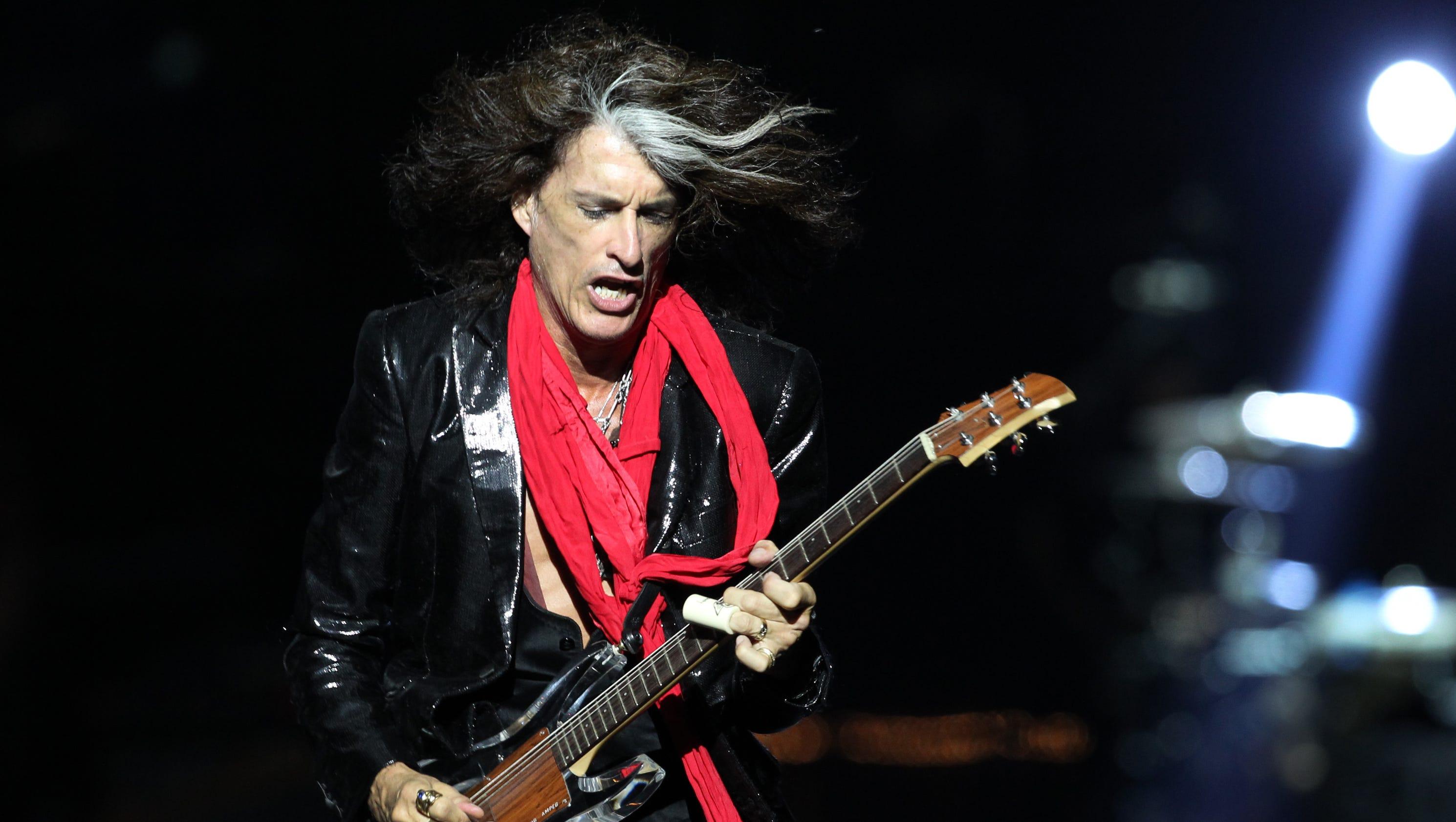 Guns N' Roses - Paris Live