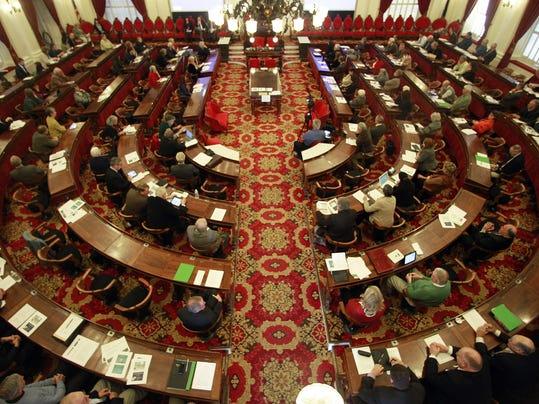 bur 1121 lawmakers gather AP c1.jpg