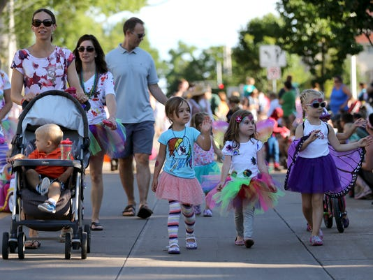 -APC childrens parade 0250 072314wag.jpg_20140723.jpg