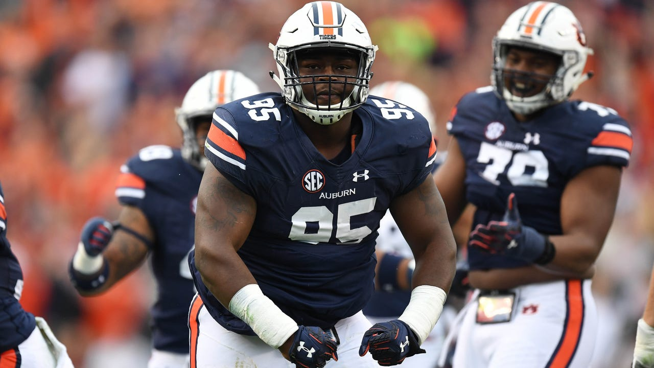 Auburn shuts down rival Alabama to win Iron Bowl