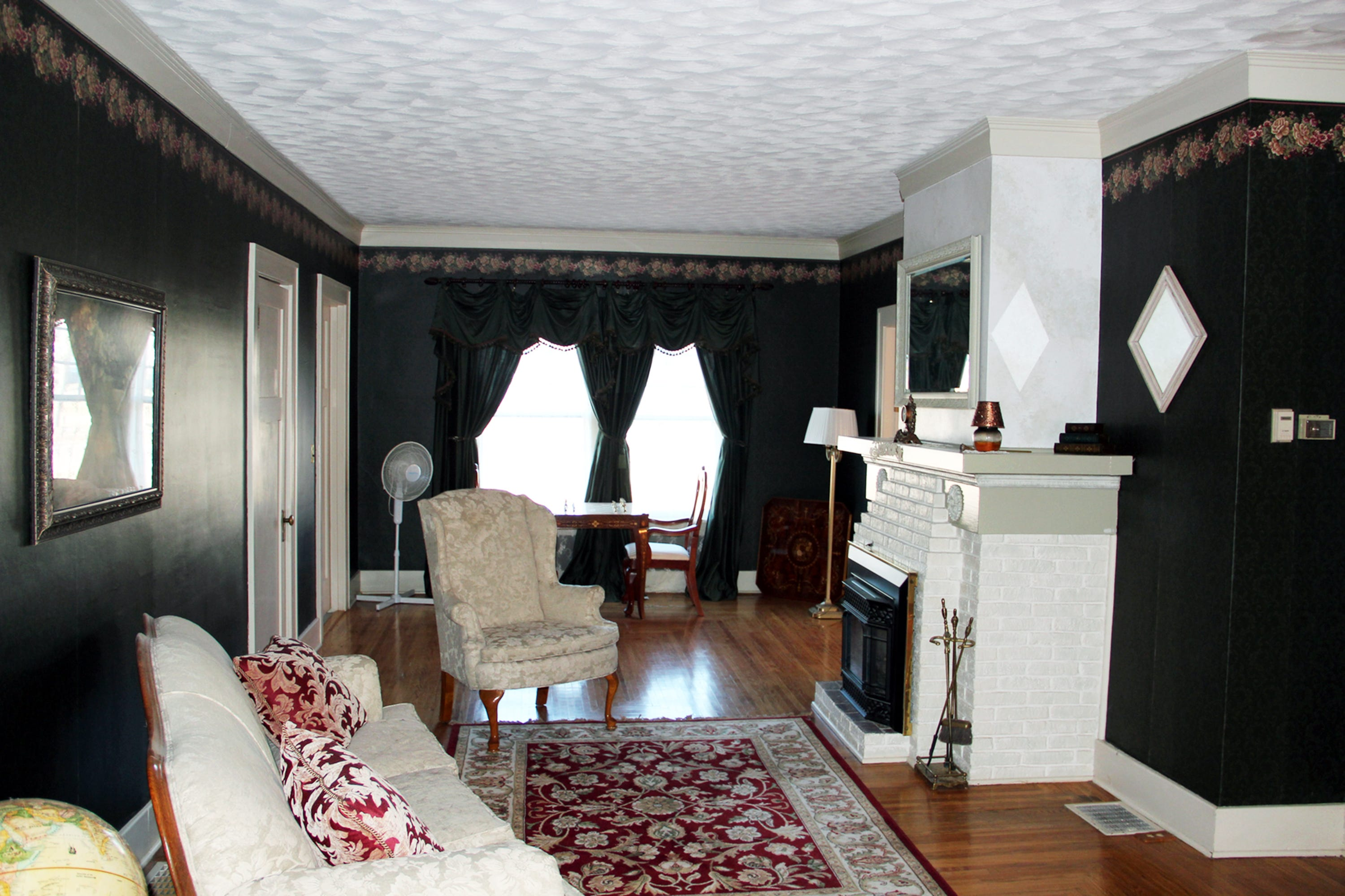 5000 square foot house on market for 137 900 for 11x12 room in square feet