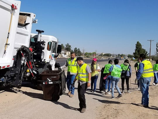 Sunland Park volunteers along McNutt road were assisted