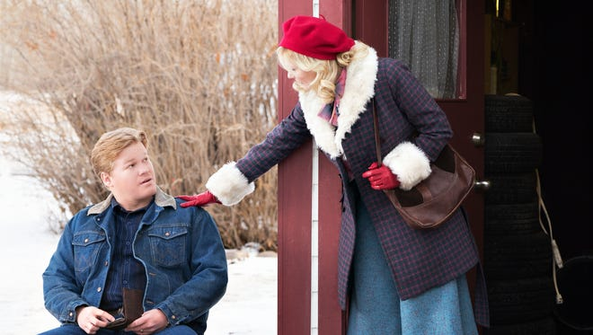 Kirsten Dunst, right, and Jesse Plemons play Peggy and Ed Blumquist in FX's 'Fargo.'