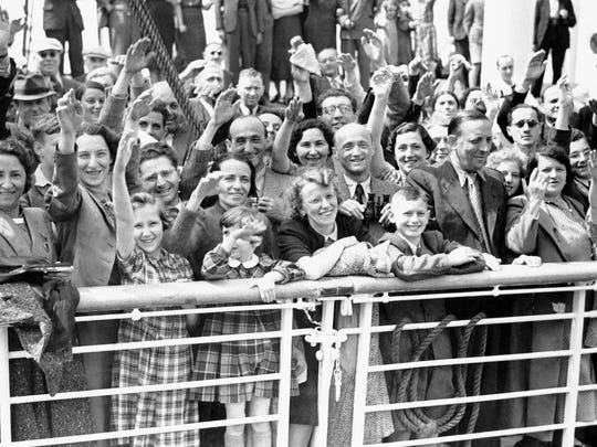German Jewish refugees return to Antwerp, Belgium, aboard the St. Louis after they were denied entrance to Cuba and the United States in 1939.
