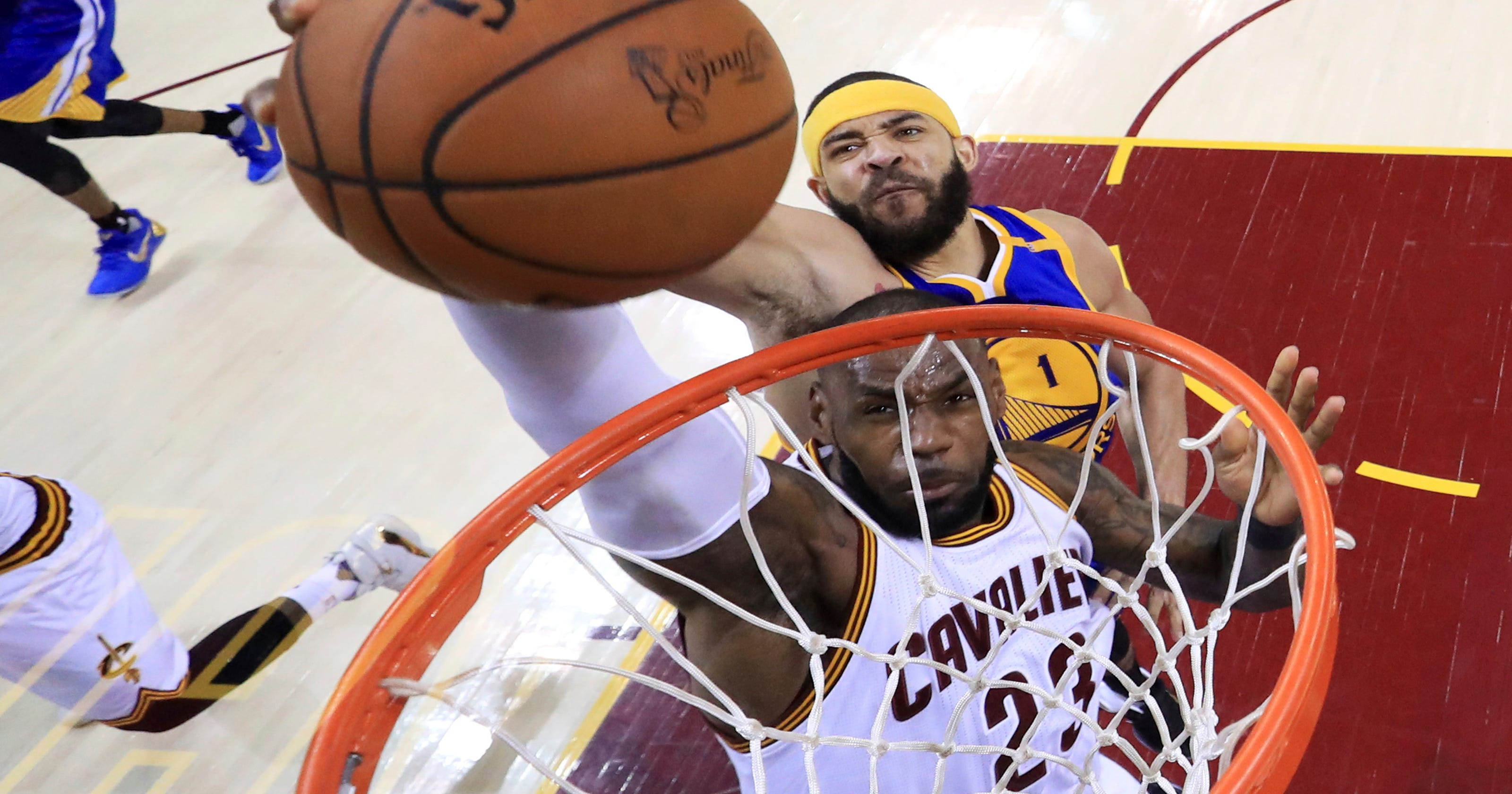 05fa8aee26f LeBron not faulting Warriors for building powerhouse team