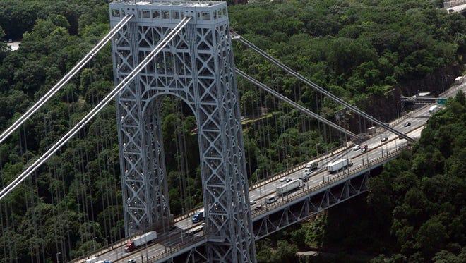 Aerial shot of George Washington Bridge to Manhattan July 13, 2009.  ( Angela Gaul / The Journal News )