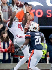 Alabama wide receiver Jerry Jeudy (4) catches a touchdown